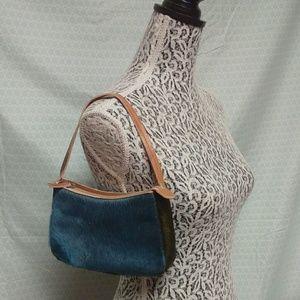 GAP mini cowhide purse